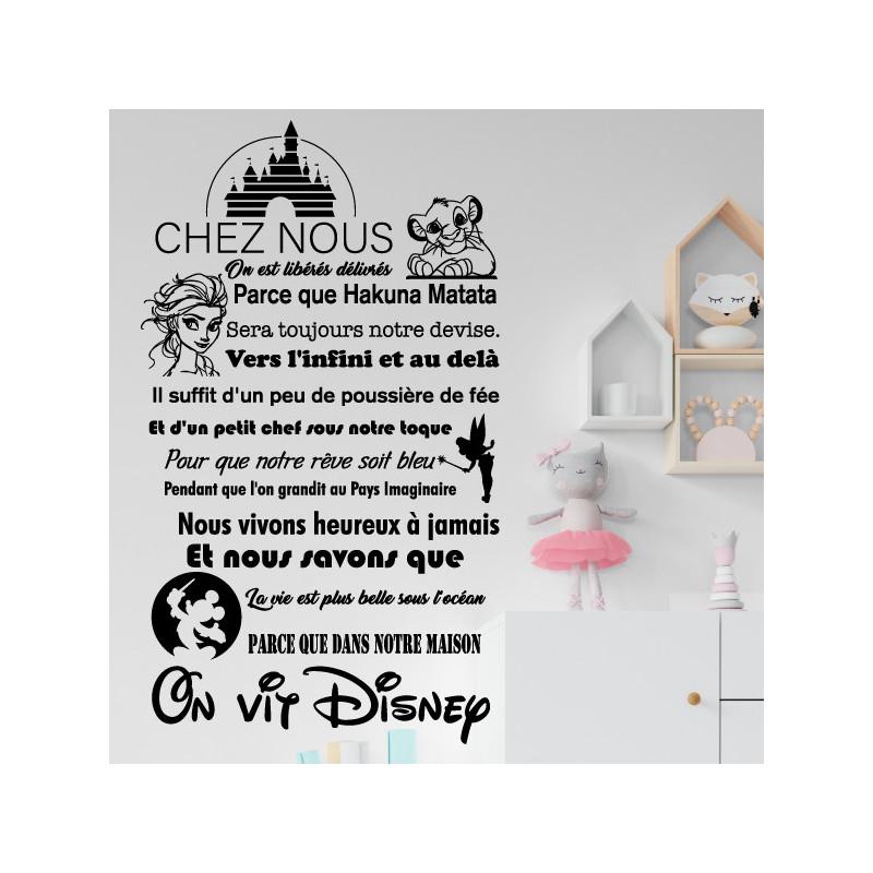 Sticker texte Chez nous, On vit Disney