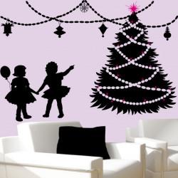 Sapin de Noël, Guirlandes et enfants