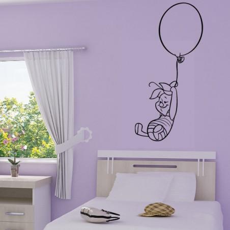 Porcinet s'envole avec un Ballon