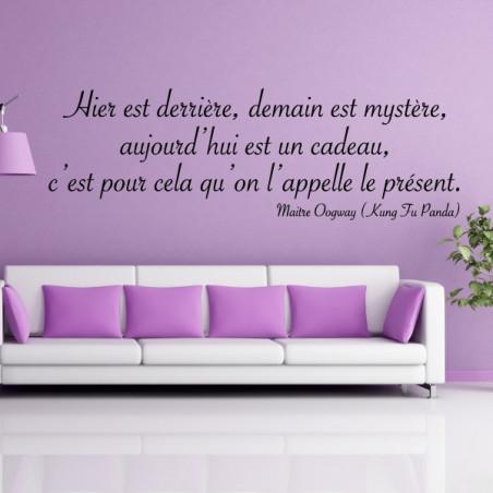 """Texte Citation """" Hier est derrière, demain est mystère... """""""