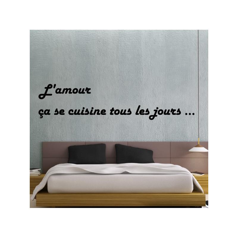 sticker texte lettrage l 39 amour a se cuisine tous les jours 2 lignes. Black Bedroom Furniture Sets. Home Design Ideas